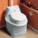 Как выбрать дачный туалет без выгребной ямы